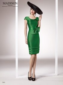 vestido de fiesta corto color verde marca madison