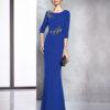 Vestido liso largo en crepe azul con con aplicación de cristal en cintura