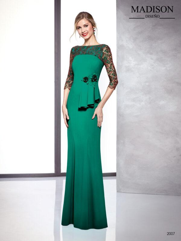 Vestido largo color esmeralda con mangas y escote de encaje y aplicación de flor