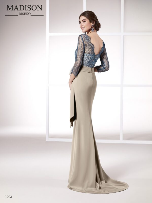 Vestido para madrinas de boda largo realizado en chantilly y un tejido triacetato