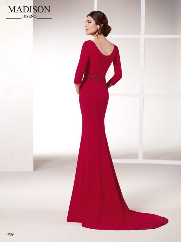 Vestido rojo con manga francesa y escote en V