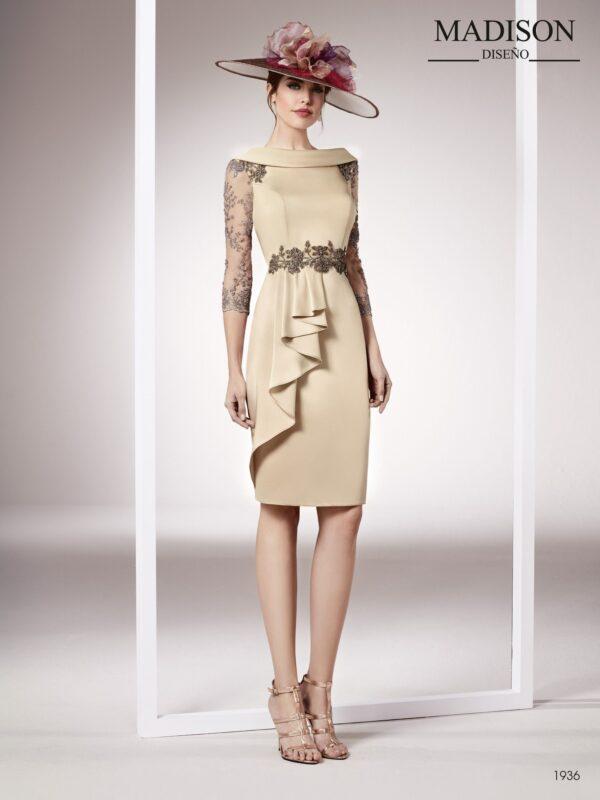 Vestido de fiesta corto en color champagne con crepe y encaje de pedrería