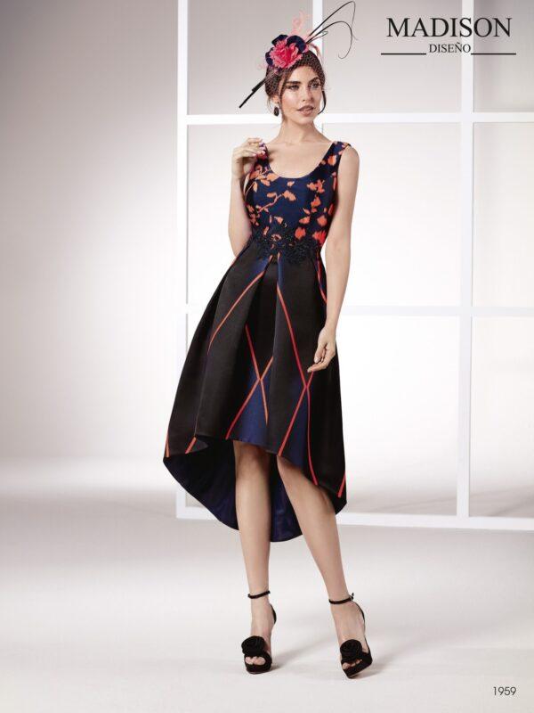 Vestido de fiesta corto con falda midi y original brocado con motivos asimétricos