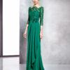 Vestido largo verde esmeralda con manga tres cuartos y escote ilusión con encaje
