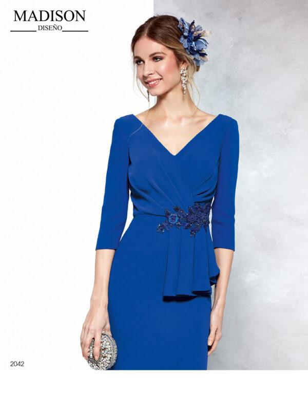 Vestido corto tipo blazer en azul con drapeado en cuerpo y aplique de cristal